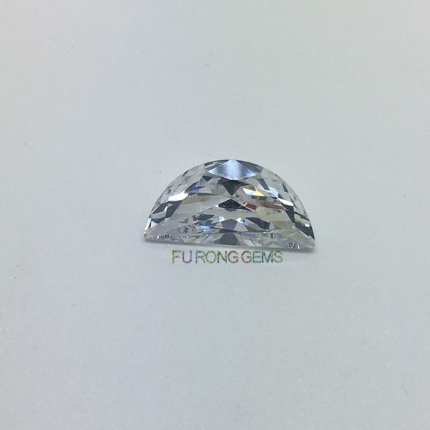 Half-moon-Shaped-Round-Faceted-Cubic-Zirconia-Gemstones