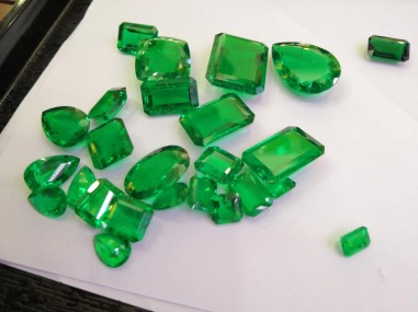 Colombia-Green-Lab-created-emerald-green-Gemstones-china-wholesale