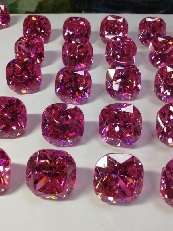 Cushion-Shape-cubic-zirconia-Pink-Color-30x30mm-Gemstones